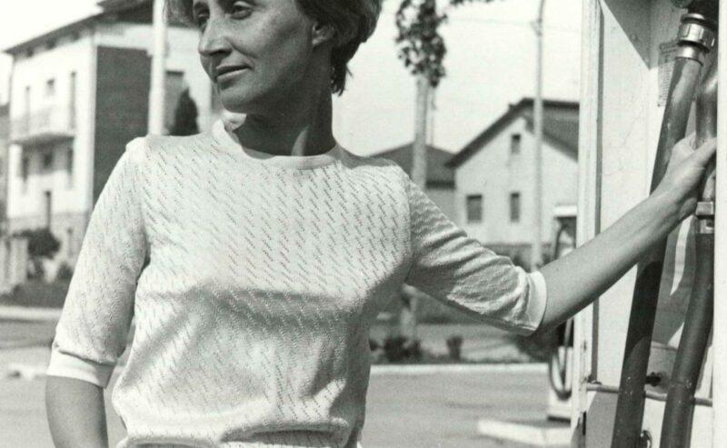 La storia di Miss Deanna: un incantesimo fatto di maglia.